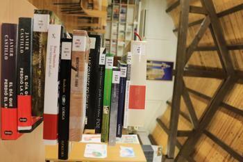 La Biblioteca de Fuentenovilla consulta a sus socios para la adquisición de nuevos fondos