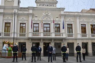 Cinco nuevos de bomberos toman posesión en el Ayuntamiento de Guadalajara