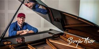 La inspiradora historia del pianista que toca sin saber leer las partituras