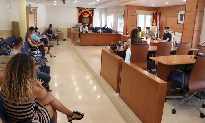 El Pleno aprueba sin votos en contra el contrato de limpieza urbana de Cabanillas para los próximos 5 años