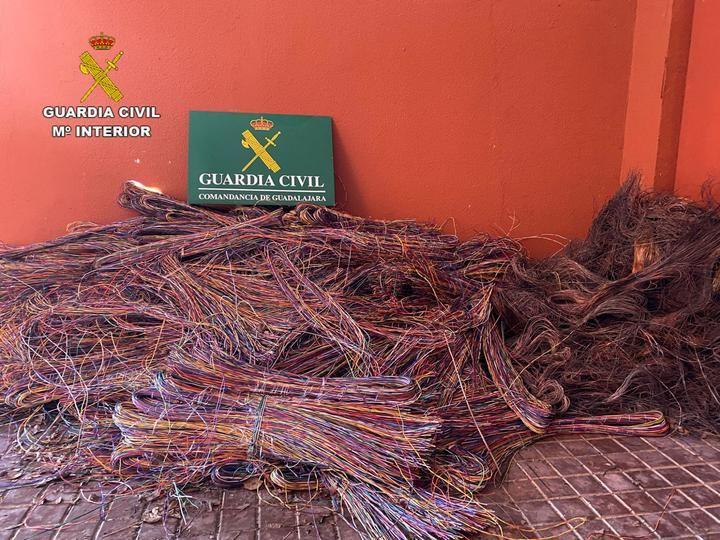La Guardia Civil detiene en Luzaga a cuatro personas por robo de cable del tendido telefónico