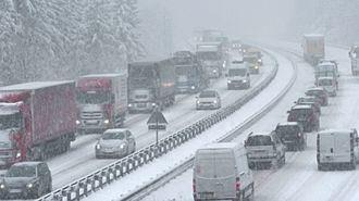 Al menos 1.300 camiones atrapados en la provincia de Guadalajara por la nevada