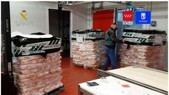 La Guardia Civil detiene a 14 personas e incauta 122.000 kilos de carne caducada (Madrid, Toledo y Málaga) que iba a centros sanitarios y educativos