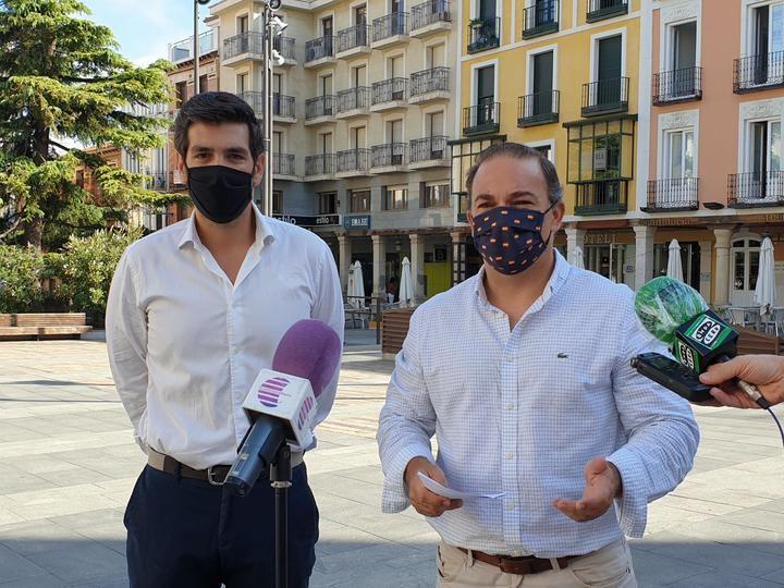 El PP INSISTE en que hay hosteleros de la ciudad a los que el Ayuntamiento de Guadalajara NO ha eximido del pago de la tasa de terrazas
