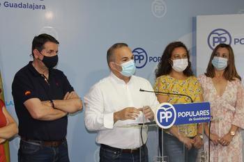 """Carnicero: """"Rojo ha desprestigiado al Ayuntamiento de Guadalajara al no recurrir una sentencia contraria a los informes de los funcionarios pero beneficiando a una exdirigente socialista"""""""