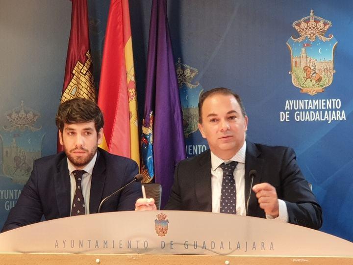 """Carnicero: """"La primera medida económica del alcalde Alberto Rojo será subir los impuestos a los vecinos de Guadalajara para 2020"""""""