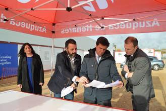 Firmado el convenio entre el Ayuntamiento y Merlin Logistics, promotora de la macronave logística para Carrefour en Azuqueca