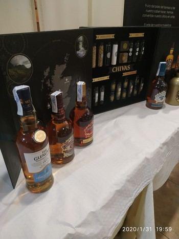 """Espectacular Cata y Master Class de Whiskies en el restaurante """"El Fogón del Vallejo"""" de Alovera"""