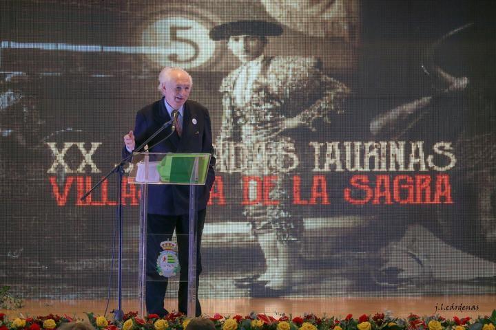 """Cátedra de Andrés Amorós en el ciere de las """"XX Jornadas Taurinas de Villaseca de la Sagra"""""""