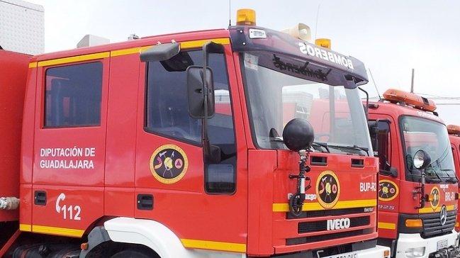 """Desalojan una vivienda """"okupada"""" en Azuqueca de Henares tras originarse un incendio"""