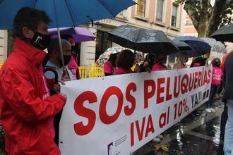 Las Peluquerías y Centros de Estética de Guadalajara se concentra para pedir la bajada del IVA al 10%
