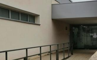 Todos los grupos municipales de Alovera reclaman mejoras urgentes en la atención del Centro de Salud