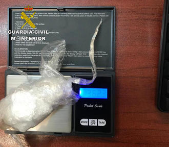 La Guardia Civil detiene a una persona por trafico de drogas (cocaína) en Corduente