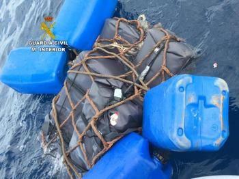 """Encuentran 145 kilos de cocaína """"flotando"""" en alta mar, entre Ibiza y Formentera"""