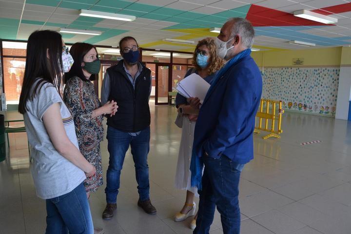 Se mejoran los centros educativos de Villanueva de la Torre con diversas obras en colegios e instituto