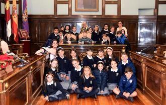 Escolares del Colegio Santa Ana visitan el Palacio Provincial