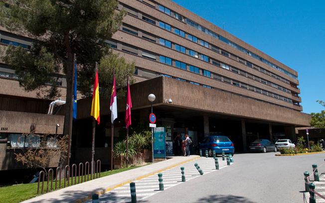 """Los médicos de la UCI de Albacete desmienten a Page : """"Nos han faltado monitores, respiradores, infraestructuras, tomas de gases…"""""""