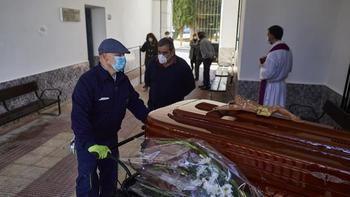 Revelan que el Tribunal Superior de Justicia cifra en 5.800 las muertes por coronavirus en Castilla La Mancha, 2.200 más que las que dice el Gobierno de Page
