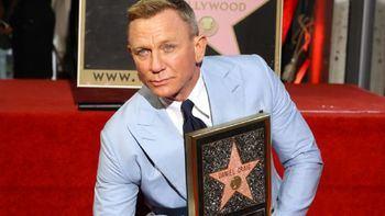 Daniel Craig se despide de 007 con una estrella en el Paseo de la Fama