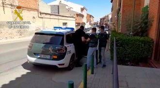 La Guardia Civil de Toledo detiene a un hombre por robar con violencia en dos casas de apuestas y a una anciana en su domicilio