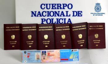 La Policía Nacional detiene en Guadalajara a una ciudadana extranjera que portaba varios documentos de identidad falsificados