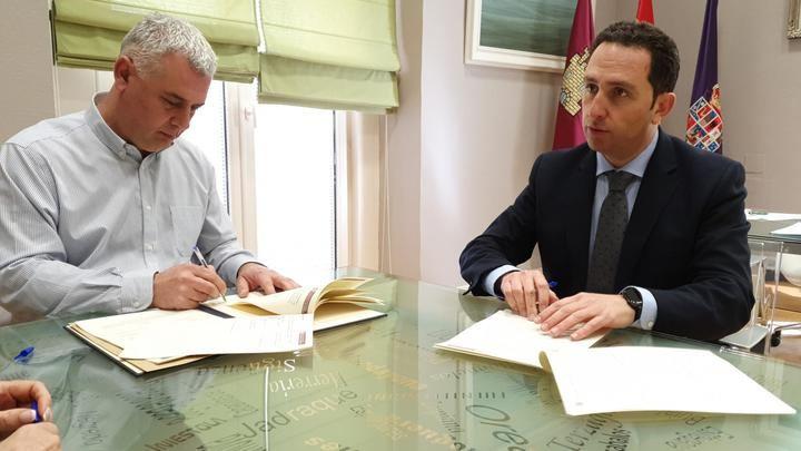 La Diputación de Guadalajara firma un convenio con el Colegio de Notarios de Castilla-La Mancha para agilizar la gestión del IBI y Plusvalía