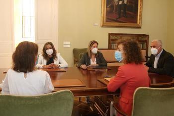 La Diputación de Guadalajara firma un convenio con Red Madre para ayudar a madres en situación de vulnerabilidad