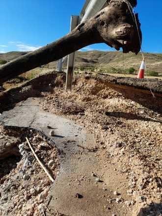 Las brigadas de Diputación de Guadalajara siguen trabajando en la limpieza de carreteras afectadas por las tormentas