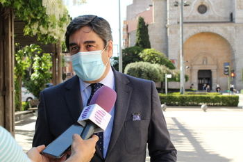 José Ignacio Echániz del PP de Guadalajara, uno de los diputados que más trabaja en el Congreso (4.444 iniciativas); Mª del Mar García Puig de Unidas Podemos, la que menos con tan solo una iniciativa