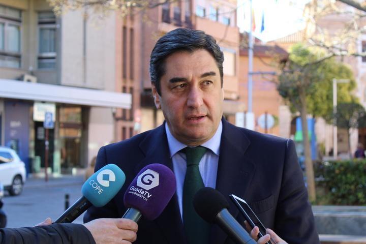 """Echániz muestra """"su enorme preocupación"""" por los nefastos datos de desempleo que afectan a Guadalajara"""