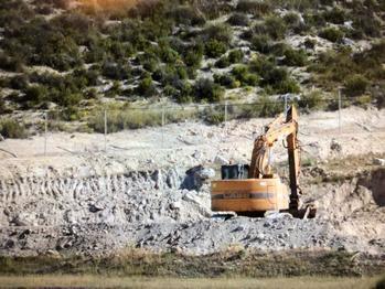 Ecologistas en Acción denuncia ante la Fiscalía el desarrollo de unas 'obras ilegales' para una planta de hormigón en Hontoba