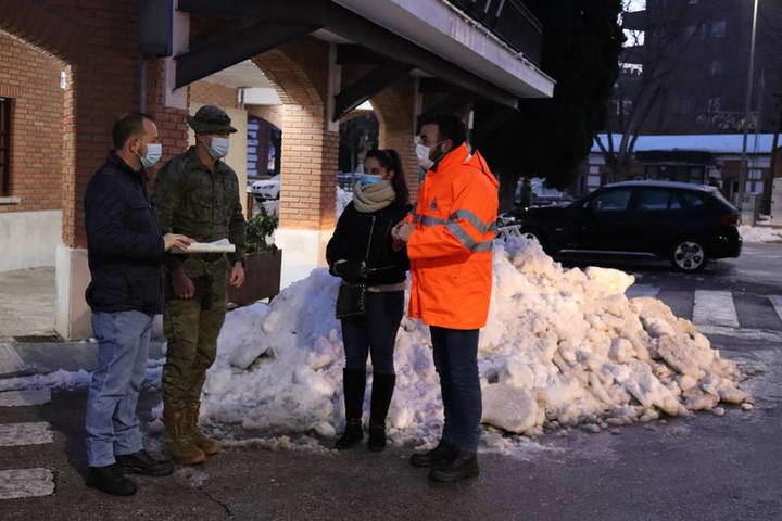 El Ejército llega a Azuqueca para colaborar en la retirada de la nieve y el hielo
