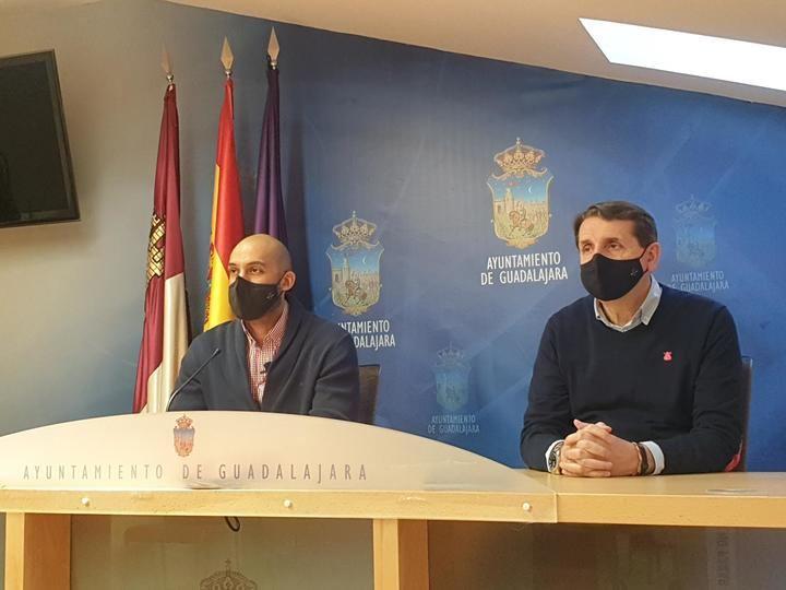 """El PP denuncia la nueva intención de Rojo en plena tercera ola del Covid, """"se gastará un millón de euros en luces ornamentales"""""""