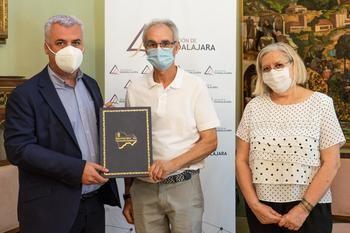La Escuela de Vela de Alocén pasa a ser de titularidad municipal con apoyo económico de la Diputación para su mantenimiento y actividades