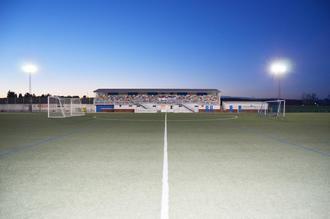 El campo de fútbol municipal de 'El Jaenal' de Yunquera de Henares cuenta con nueva iluminación