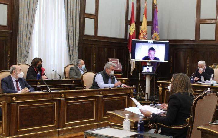 El socialista Vega RECHAZA TODAS las enmiendas del Partido Popular que pedían MÁS INVERSIÓN en los ayuntamientos de la provincia de Guadalajara