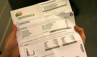 MAL, MUY MAL : El precio de la luz CUESTA un 15% más que hace un año