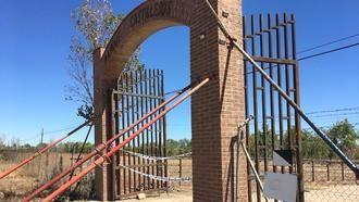 Un accidente obliga a cerrar la Finca Castillejos de Guadalajara por riesgo de derrumbe de su arco