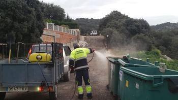 El Ayuntamiento de Fuentenovilla continúa la desinfección de viario público, edificios municipales y comercios