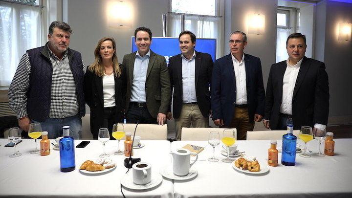 """García Egea (PP) dice que la """"traición"""" de Ciudadanos en Castilla-La Mancha al echarse en los brazos de Page """"debe pasarles factura"""""""