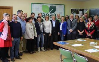 La ex ministra Isabel García Tejerina se reúne en Guadalajara agricultores y ganaderos y asegura que