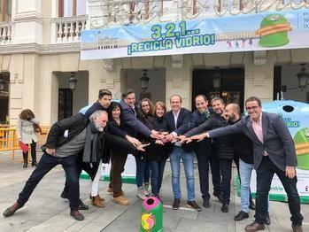 Guadalajara consigue el récord mundial de reciclaje de botellas de vidrio en una hora