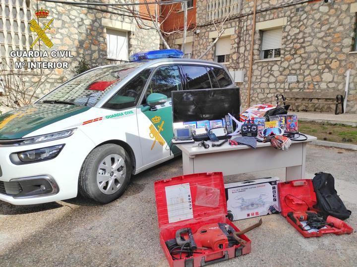 """La Guardia Civil detiene a una persona e investiga a otras dos por un robo en una vivienda en la urbanización """"Nueva Sierra"""" de Albalate de Zorita"""