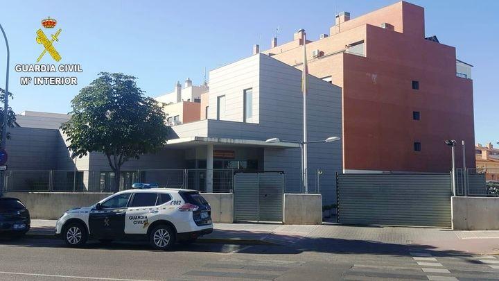 La Guardia Civil detiene a dos personas en Alovera por un delito de robo y allanamiento de morada cuando se realizaba una mudanza