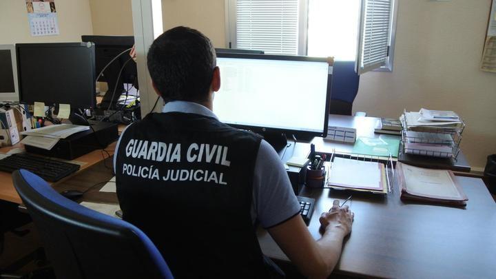 La Guardia Civil de Toledo detiene a una mujer por abandonar a su bebé recién nacido...aún con el cordón umbilical