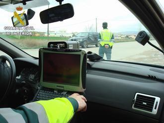 La Guardia Civil de Guadalajara investiga al conductor de una motocicleta que circulaba por la carretera CM-1008 a...¡194 Km/h!