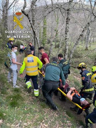 La Guardia Civil ha coordinado el rescate de un senderista herido en Navahermosa