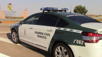 La Guardia Civil de Ocaña auxilia a un menor con autismo que sufrió un desmayo en la R-4 cuando viajaba con sus padres de vacaciones