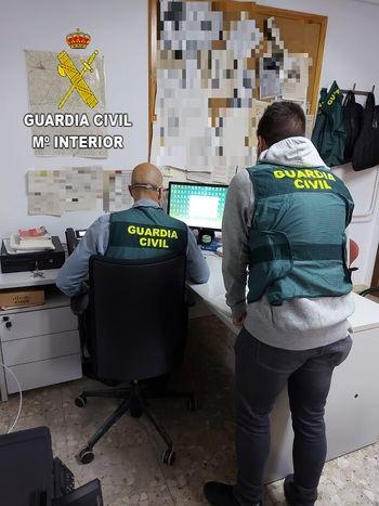 La Guardia Civil de Guadalajara detiene en Villarrobledo a una persona que estafó más de 54.000 euros al Ayuntamiento de El Casar