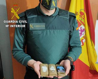 La Guardia Civil detiene en Mondéjar a dos personas por tráfico de drogas